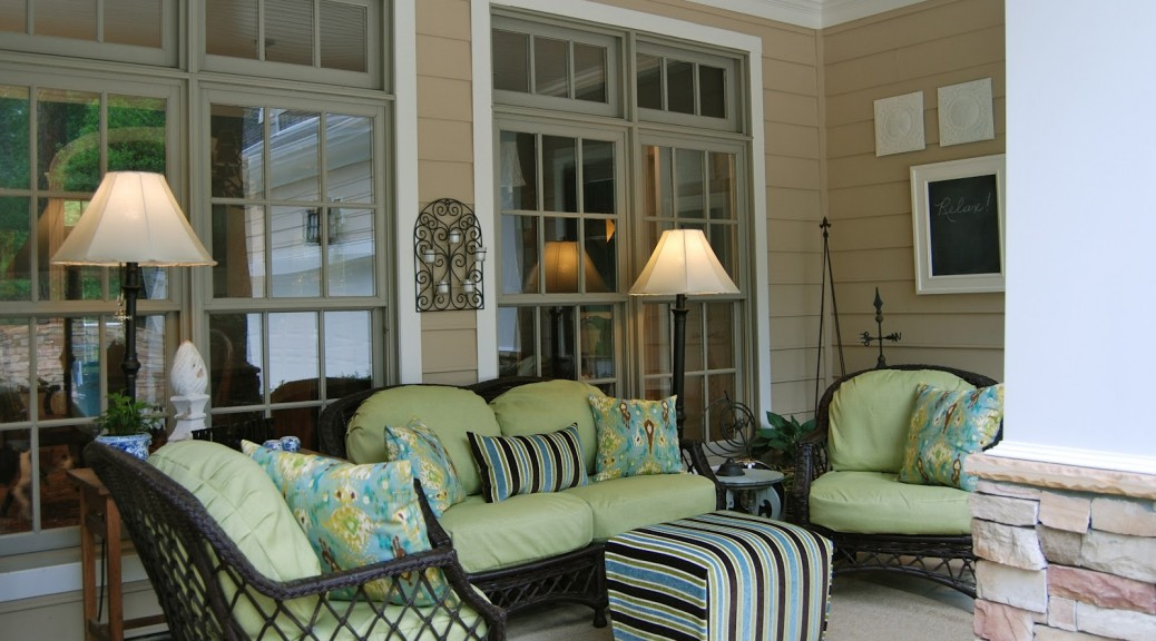 Wicker Furniture For A Front Porch Garden Designer